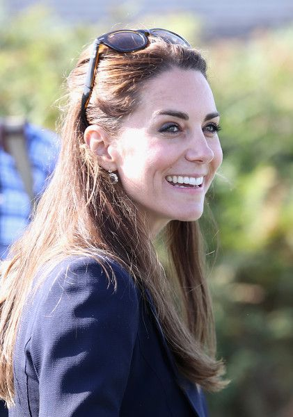 Kate Middleton Photos Photos - Catherine, Duchess of Cambridge visits the Island…
