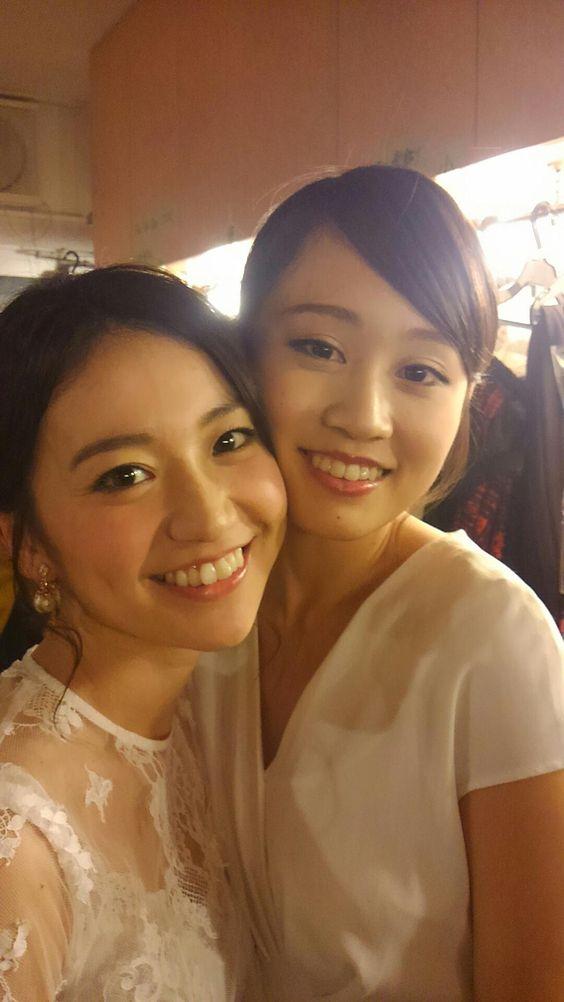 頬をくっつける大島優子