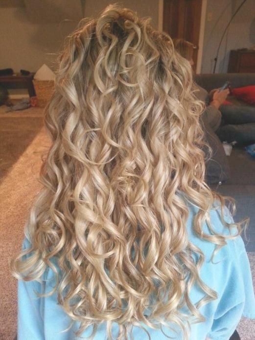 28 Amazing Pictures Loose Spiral Perms For Long Hair Loose Spiral Perms For Long Hair Brilliant As Well As At Long Hair Perm Long Hair Styles Permed Hairstyles