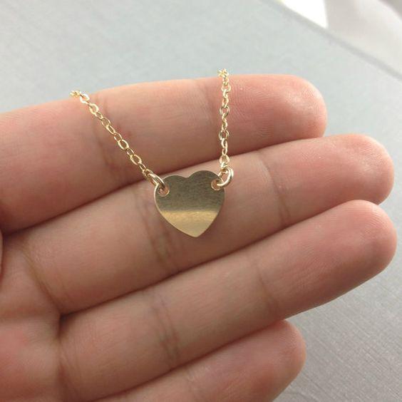 Schöne und elegante Gold gefüllte Herz-Halskette...    Perfekt für Hochzeit oder…
