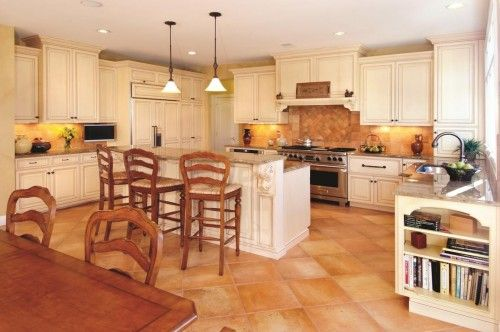 Kitchen with terra cotta floor tiles kitchen pinterest for Terracotta kitchen ideas