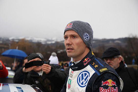 Sébastien Ogier (nasceu a 17 de Dezembro de 1983 nos Altos-Alpes(Hautes-Alpes) é um piloto de ralis francês. Campeão do mundo de Ralis em 2013 e 2014 com a Wolkswagen Motorsport, tem como co-piloto Julien Ingrassia. Com 24 vitórias na competição, ele é o décimo melhor piloto francês da história do WRC atrás de Sébastien Loeb(9 títulos de 2004 a 2012) e á frente de Didier Auriol(1 t´tulo em 1994). Ele não tem ligação parentesca directa com Jean-Claude Ogier. Sébastien Ogier é casado com a ...