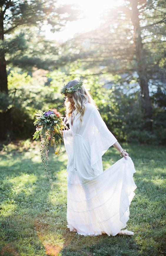 boho chic weddings - photo by Laurels & Stars Photography http://ruffledblog.com/wisconsin-bohemian-wedding-ideas