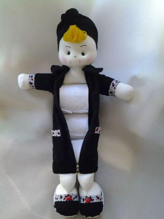 boneca porta papel higiênico com roupão - decorada