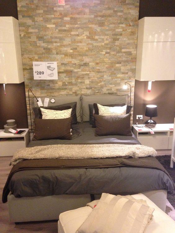 Bella camera da letto, in particolare per il muro in finti mattoni ...