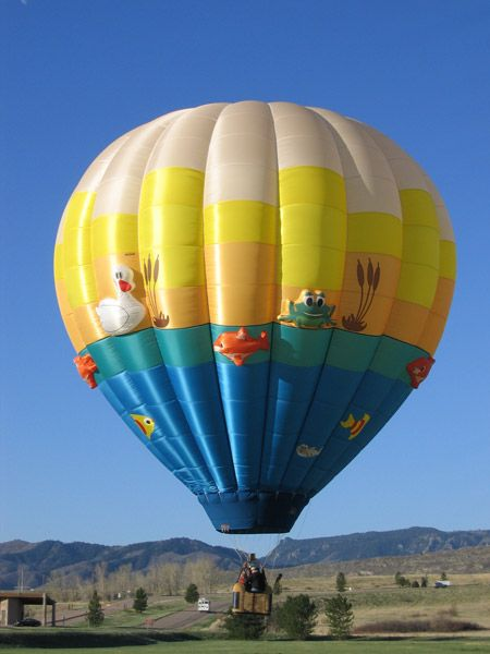 [2013 Balloon] Welcome pilot Alan Luksik from Aurora, Colorado.  Here is his balloon, Pondemonium:  www.balloonfiesta.com