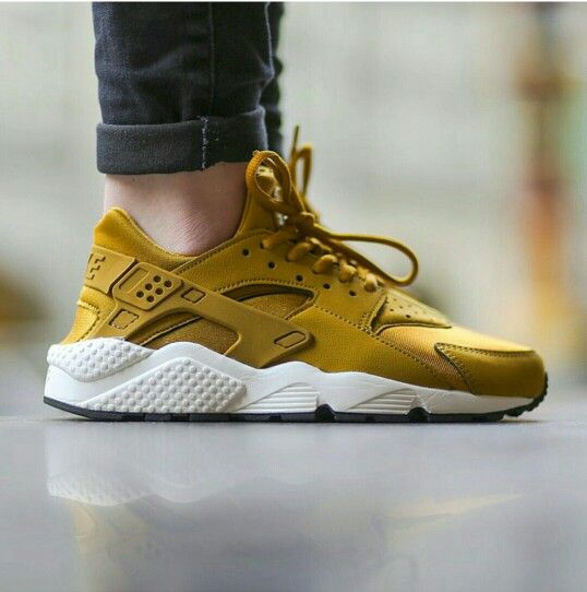 90221df2c645b ... shoes bronzine gold buy uk  the nike huarache is a timeless classic.  watch out for fakes when shopping online checkout
