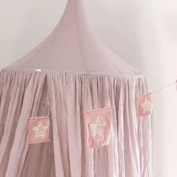 N74 Canopy and Fancy star garland   Dusty Pink