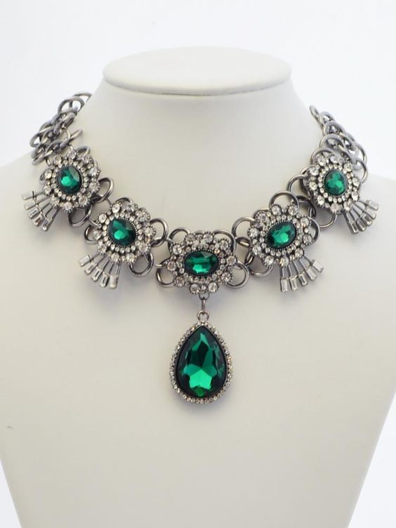 Green Crystal Necklace - Choies.com