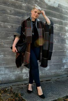 Look of the Day: Pla     Look of the Day: Plaid Blanket Cape- By Fleur d'Elise