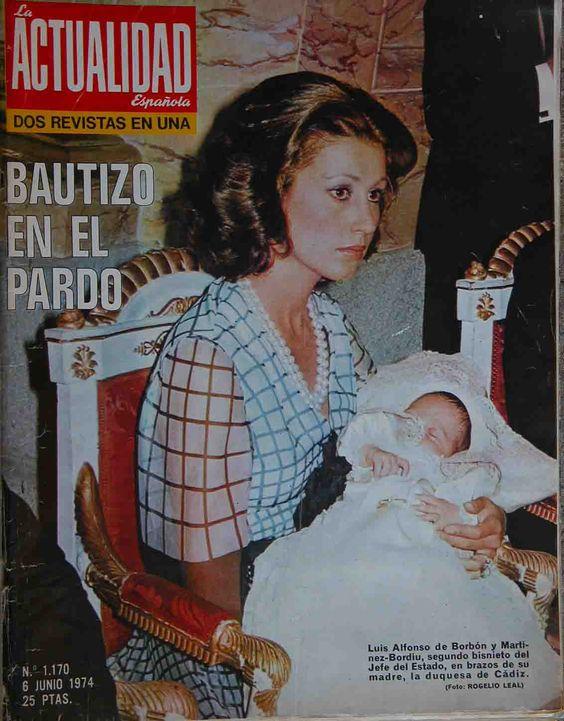 1974-06-06 Bautizo en el Prado.La esencia de la fotografía es precisamente esa obstinación del referente en estar siempre ahí.