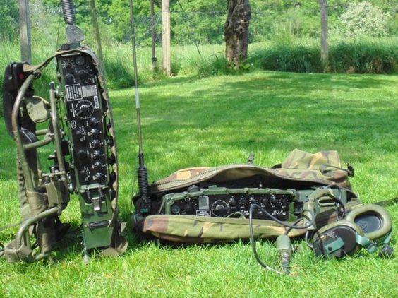 Vintage Military Radios 105