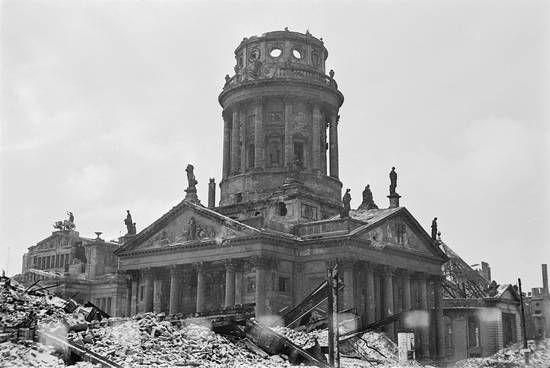 1947 Ruinen Am Gendarmenmarkt Gendarmenmarkt Berlin Historische Bilder Berlin