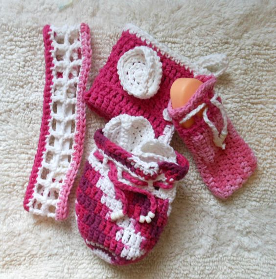 INSPIRATION   Pink and White Crochet Bath Set  Cotton Face wash by CherubsGarden