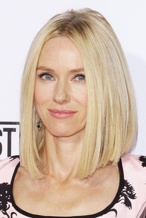 Haircuts to Try this Winter: Naomi Watts Contouring Cut