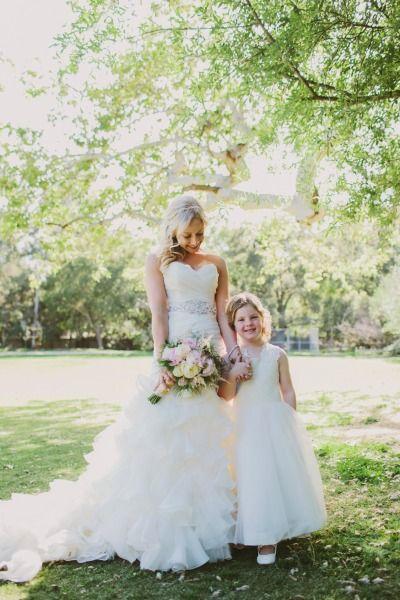 Such a sweet photo: http://www.stylemepretty.com/california-weddings/malibu/2015/07/09/romantic-glam-ranch-wedding-in-malibu/ | Photography: Wild Whim - http://www.wildwhim.com/