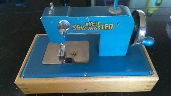 Vintage Blue Kayanee Sewmaster Child's Sewing Machine from the 50's Berlin, West…