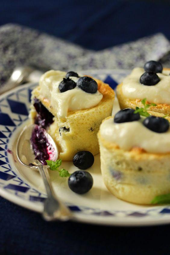 Dans la cuisine de Sophie: Cupcakes magiques aux myrtilles