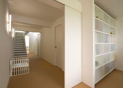 Corbusierhaus Berlin Wohnraum Flur Treppe Bad Ankleidezimmer
