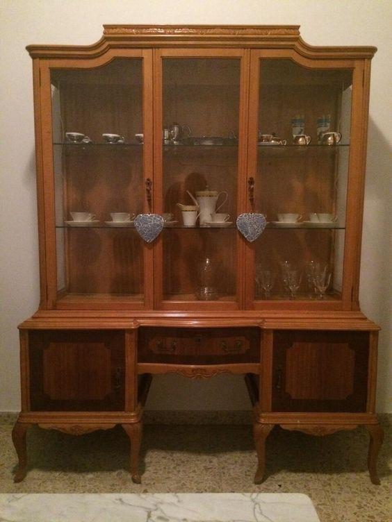 C mo renovar una vieja vitrina de madera restaurar - Restaurar mueble de madera ...