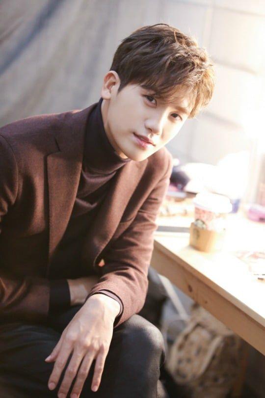 aktor korea tertampan park hyung sik