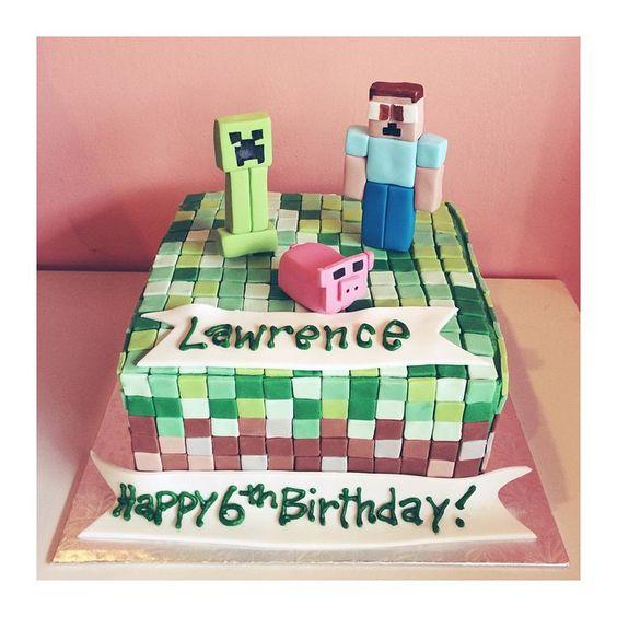 Minecraft Birthday Cake by 2tarts Bakery / New Braunfels, Texas / www.2tarts.com