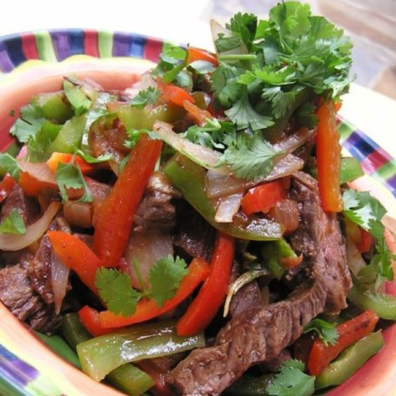 Tiritas de Falda con Cilantro y Pimientos (Flank Steak Strips with Cilantro and Peppers) - Everyones Blog Posts - Hispanic Kitchen