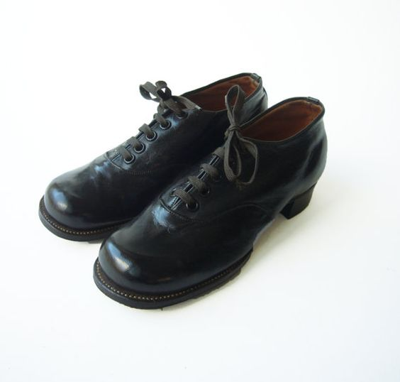 FRENCH VINTAGE 1950s  Beautiful Shoes  Kids  by TimeTripAndCo, €35.00