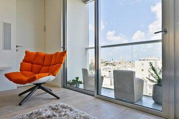 A Small Apartment in Central Tel-Aviv