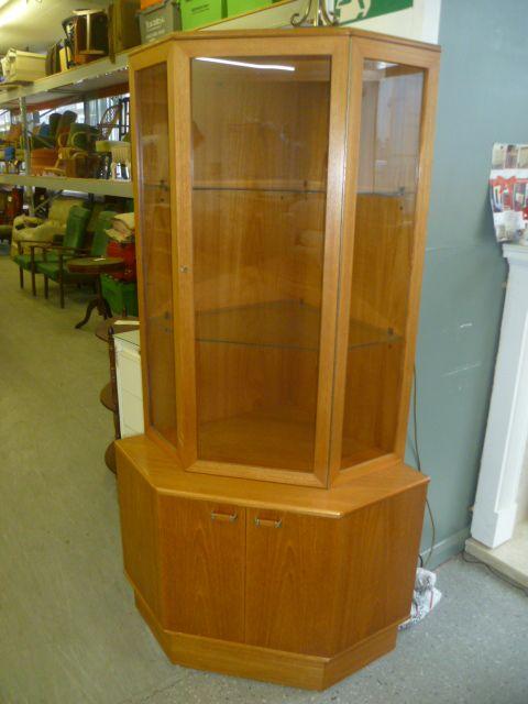 Corner Cabinet £45