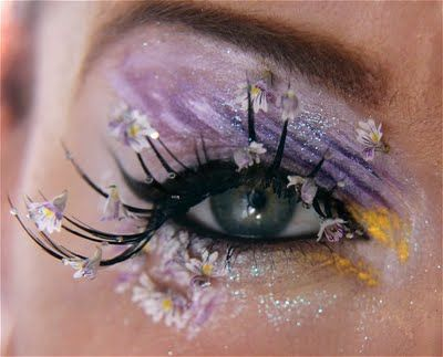 this look is amazing,  I wish i was comfortable enough to wear this kind of makeup all the time