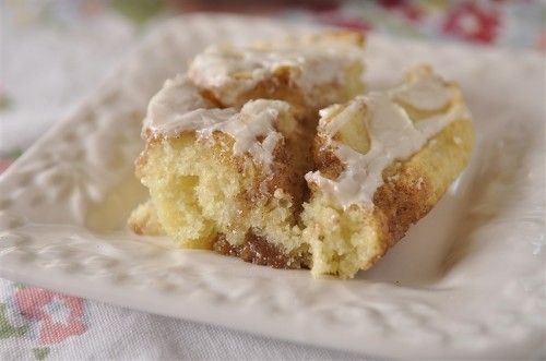 Cinnamon Roll Cake - made this recently SO yummy and moist