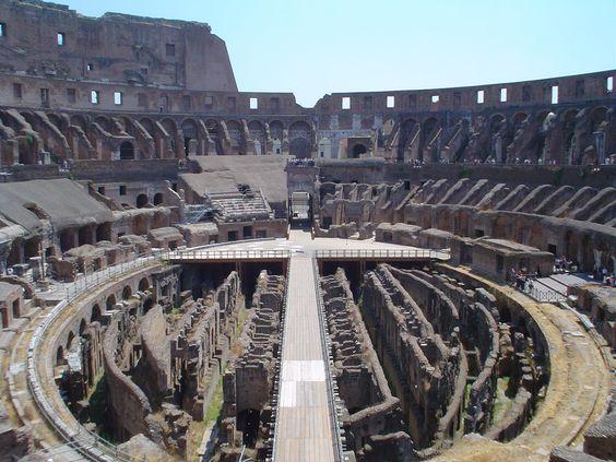 Colosseum | Inside the Colosseum. Image: Bjarki Sigursveinsson
