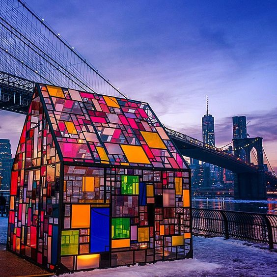"""Tom Fruin's stained glass house ""Kolonihavehus"" at the Brooklyn Bridge Park"""
