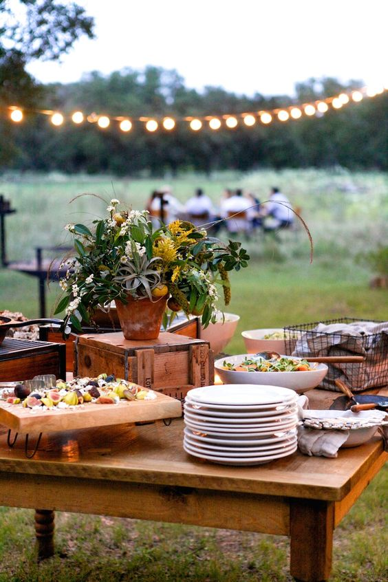 Country lunch #meal #countryside #lunch #friends #green #lights #pretty #lifestyle: