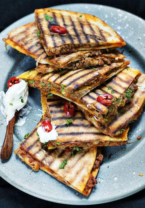 Quesadillas Z Sosem Meksykanskim Tortilla Blog Kulinarny Codojedzenia Pl Culinary Recipes Quesadilla Recipes