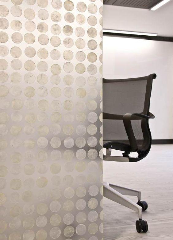 LUMIFORM, paneles arquitectónicos en resina translúcida para gran variedad de aplicaciones.