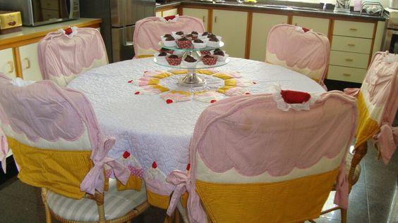 Toalha e capas de cadeiras, cupcaker