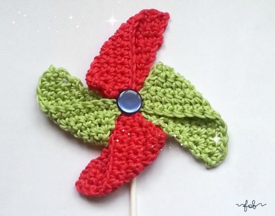 scheme and explanations in Italian to make pinwheel crochet. ☀CQ #crochet #applique