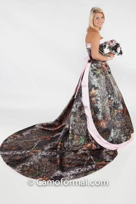 Camo wedding dresses camo wedding and pink camo wedding for Camo and pink wedding dresses