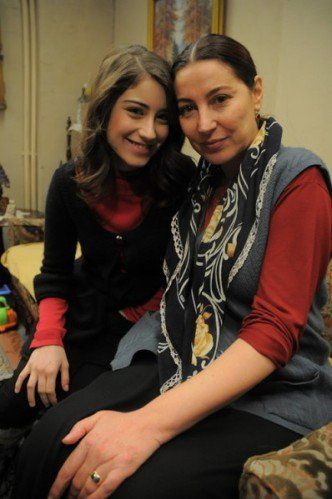 feriha with her mom