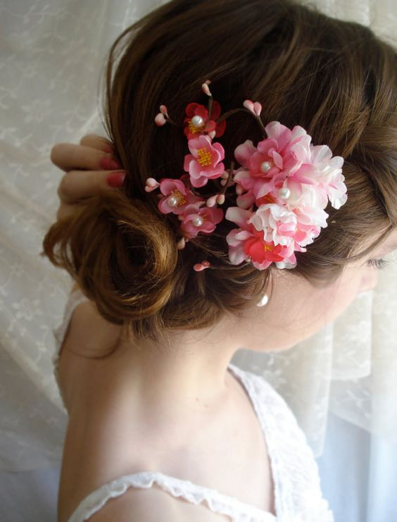 Pretty cluster of flowers hair clip.