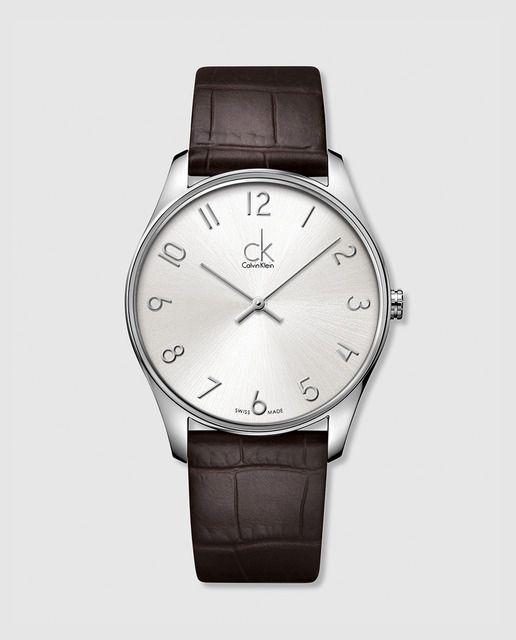 Reloj Classic de cuero marrón