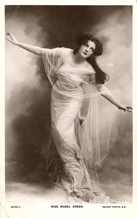 Edwardian stage actress Mabel Greene [1910]