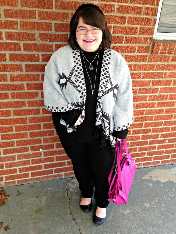 Unique Geek: Plus Size OOTD: Perfect Poncho #plussize #plussizefashion #plussizeblogger #plussizeoutfit #plussizeootd #poncho #winteroutfit #fuschia #black #aztec: