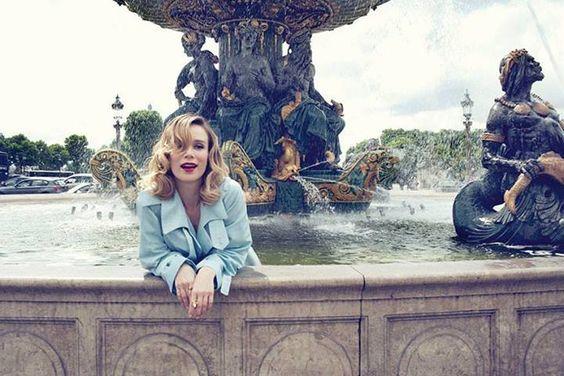 Mari Ximenes em Paris (parece uma sereia)