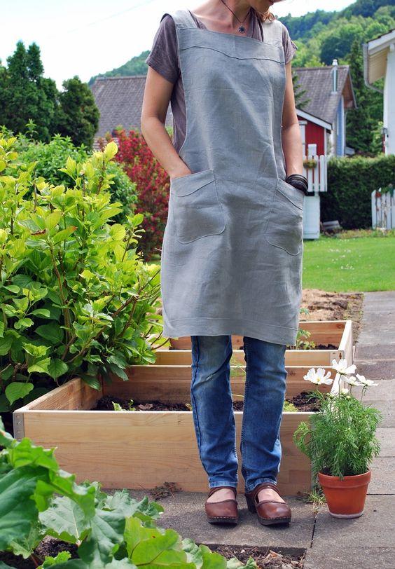 Bei uns laufen momentan mehrere Gartenprojekte gleichzeitig. Einern grossen Teil meiner freien Zeit verbringe ich im Garten.  Beinah...