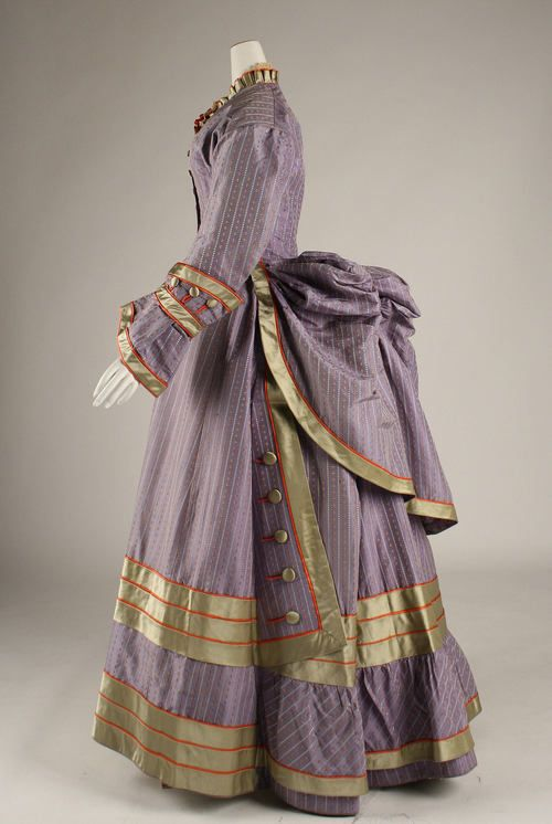 bustle dress, circa 1872-1875 The holy grail,of bustel dresses..from  Patterns of Fashion: