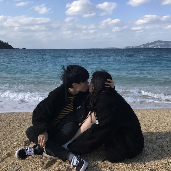 Pinterest : fernweh95 #couplegoals #couple #ulzzang #korea #korean #boys #girl #love