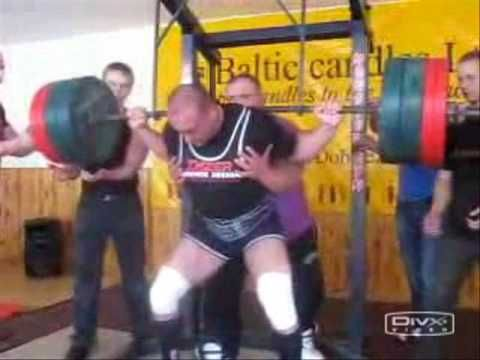 Small legs but not a small squat... Squatted ~ 800lbs as a junior.